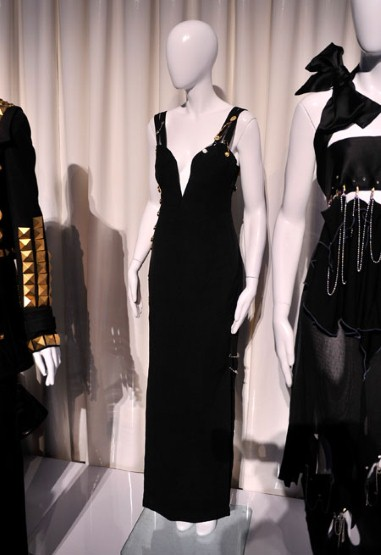 versace safety pin dress elizabeth hurley four weddings and a funeral